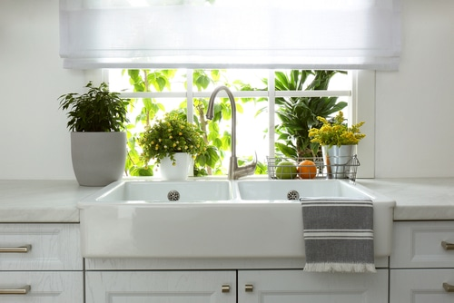 What are the parts of a kitchen sink